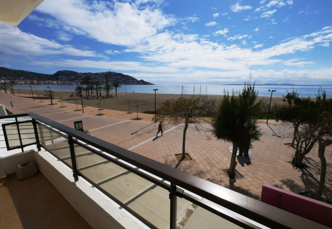 Ferienwohnung in Rosas / Roses - 121 Oasis A1 InmoSantos 2 Rooms Appartement Roses