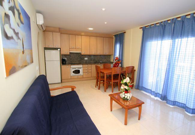 Ferienwohnung in Rosas / Roses - 243 Daniel3B InmoSantos 2 Rooms Appartement Roses